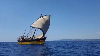 Embarcaciones tradicionales en Nosy Be: Madagascar