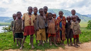Aldea de pigmeos, Lago Bunyonyi: Uganda