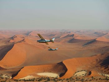 Sobrevolando el desierto de Namib. Namibia.: Sudáfrica, Namibia, Botswana, Cataratas Victoria