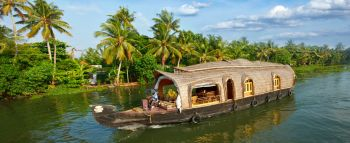 Casa Barco por los backwaters, canales de Kerala: India