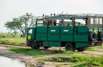 Nuestro camión en la Ruta Lago Victoria. Uganda, Kenya & Tanzania: Uganda, Kenya, Tanzania, Zanzíbar