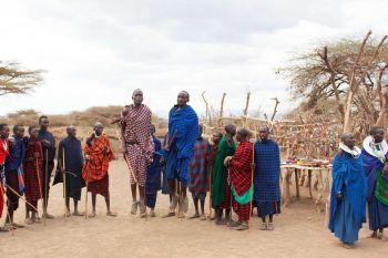 Hombres maasai: Tanzania, Kenya, Zanzíbar