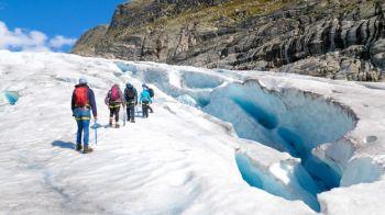 Trekking en la lengua glaciar de Haugabreen (Jostedalbreen): Noruega