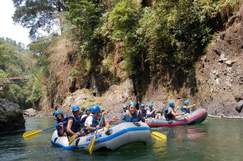 Rafting por el cañón del río Ma\\\'ting: Indonesia, Papúa