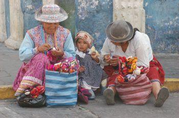 Vestimenta Tradicional. Arequipa: Perú
