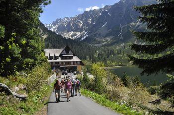 Caminata en el Lago Popradske. Tatras Eslovacos: Polonia, Eslovaquia