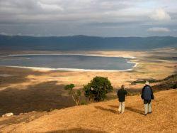 Mirador a la impresionante caldera del Ngorongoro: Tanzania, Zanzíbar