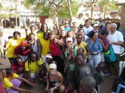 Contacto con la población local en Mwanza, Lago Victoria: Tanzania, Zanzíbar