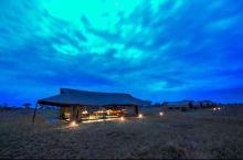 Anochecer en nuestro Kananga Special Tented Camp. PN Serengeti, Tanzania.jpg: Tanzania, Zanzíbar