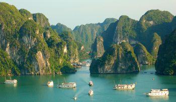 La Bahía de Halong: Vietnam, Laos, Camboya