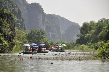 Tam Coc: Vietnam, Laos, Camboya