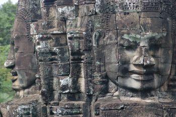Templo Bayon en Angkor: Vietnam, Laos, Camboya