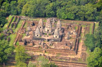 Angkor Wat: Vietnam, Camboya